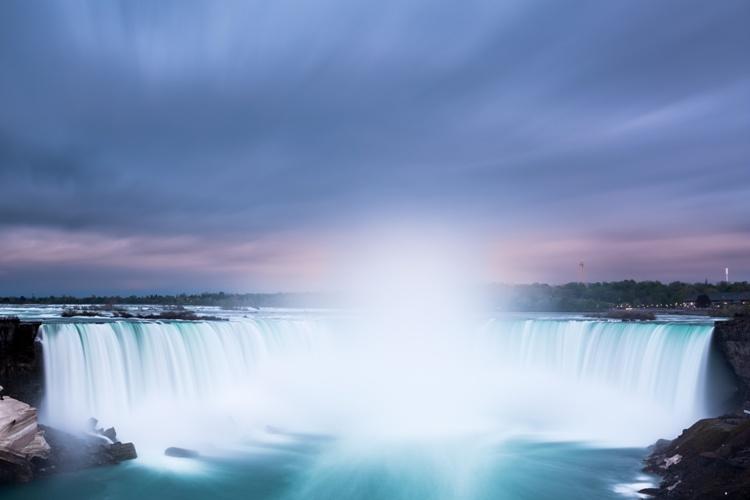 Já pensou em Visitar Niagara Falls?